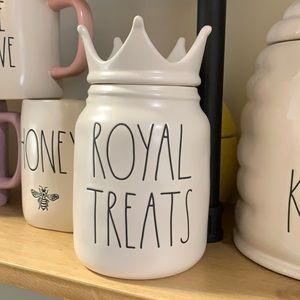 🇺🇸 Rae Dunn ROYAL TREATS pet canister